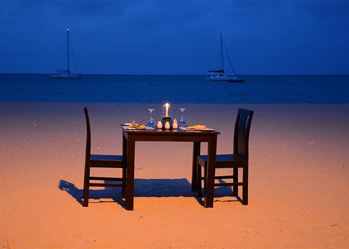 Outdoor Dining at Amethyst Resort Beach Area